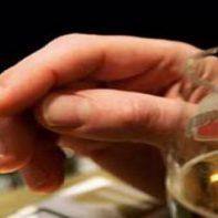 Курильщикам сложнее избавиться от алкоголизма
